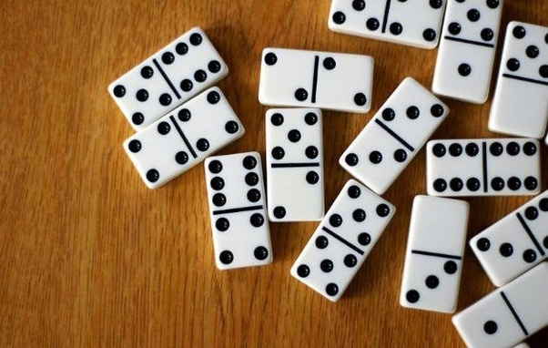 Grab domino qq games from online and earn money